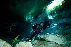 BD-101210-Cenotes-3027-Homo-sapiens.-Linnaeus.-1758-[Diver].jpg